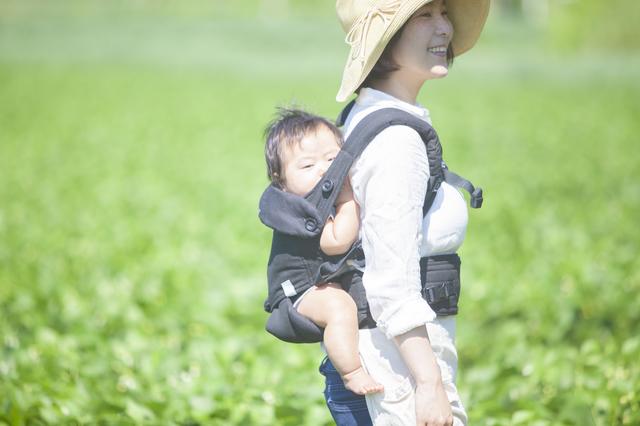 赤ちゃんをおんぶするメリット・デメリット