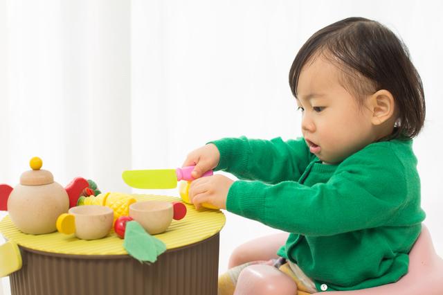 1歳児のおままごとで脳を刺激しよう