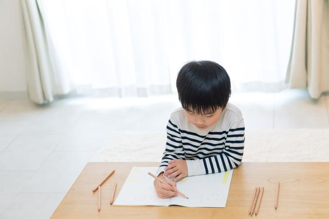 子どもの集中力をきたえる方法